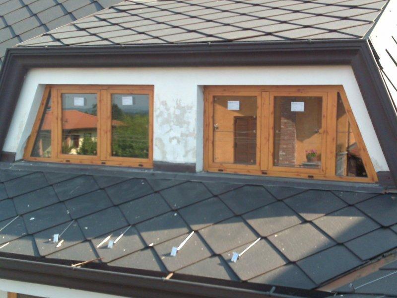 Finestre e porte finestre poma serramenti torino for Porte per mansarda